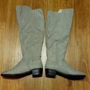 Indigo road light gray suede knee high boots 7